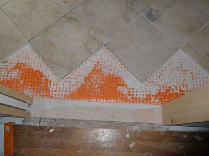 Bathroom Floor Underlayment : Remodel of a master bathroom in colonial home